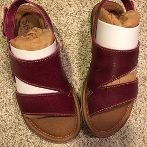 New in box Leather SBICCA sandals Wine color
